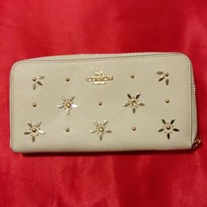 White coach special edition wallet